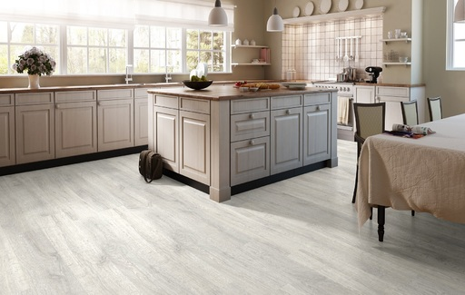 Quickstep Classic Reclaimed White Patina Oak Laminate Flooring 8 Mm