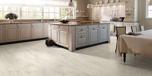 QuickStep CLASSIC Havanna Oak Natural Laminate Flooring, 8 mm