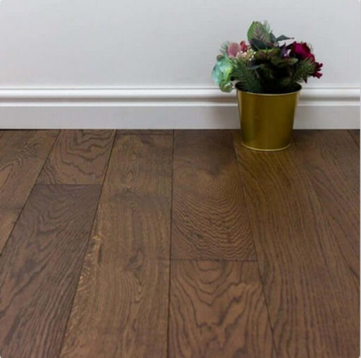 Chene Cognac Oak Engineered Flooring, Brushed and Lacquered, 125x3x14 mm
