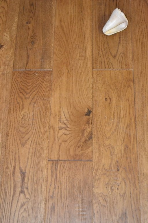 Elka golden oak solid wood flooring distressed lacquered for Real solid wood flooring