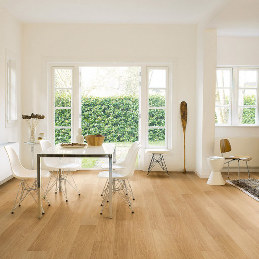 QuickStep Impressive Natural Varnished Oak Laminate Flooring, 8 mm