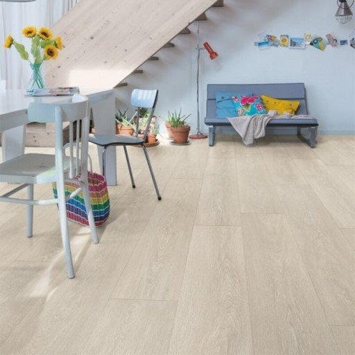 QuickStep Majestic Valley Oak Light Beige Laminate Flooring, 9.5 mm