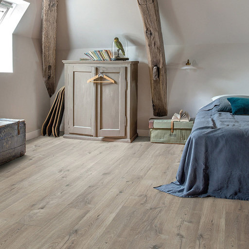 QuickStep Livyn Pulse Click Plus Cotton Oak Grey With Saw Cuts Vinyl Flooring