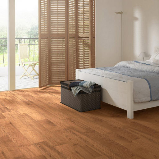 QuickStep PERSPECTIVE Dark Varnished Oak Planks 4v-groove Laminate Flooring 9.5 mm