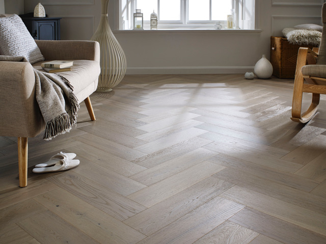 Chene Herringbone Engineered Grey Oak Flooring Brushed Uv Oiled 600x150x14 Mm